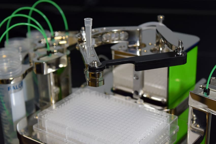 The MANTIS® showing pipette tip  input attached to High Volume (HV) chips